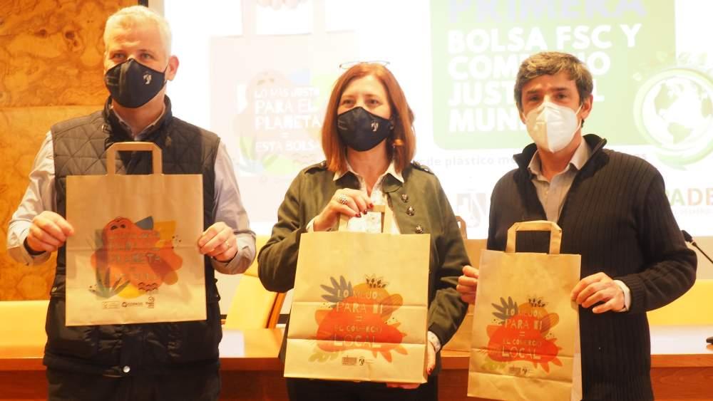 Lo más justo para El Planeta = Esta bolsa. Lo mejor para ti = El Comercio Local.