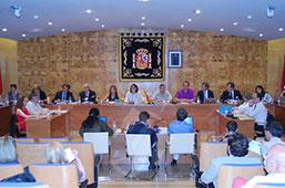 El último pleno impone penalidades a la empresa Acción Aragonesa de Vivienda S.A. y aprueba la cuenta general de 2014