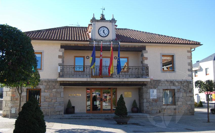 La Alcaldesa Elena Biurrun ha procedido a realizar una pequeña remodelación en el equipo de gobierno municipal
